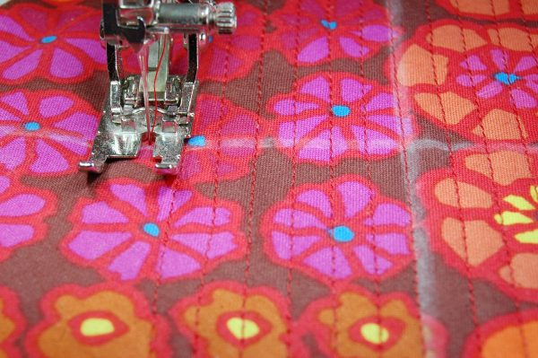 BERNINA sews a RARE Bear-straight stitching