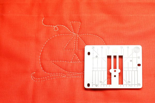 Jack-o-Lantern Free-motion Quilting - single hole throat plate