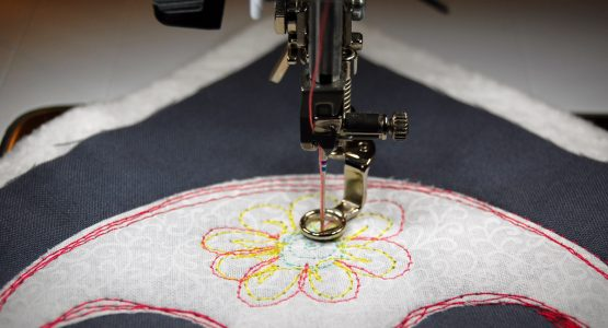 https://weallsew.com/wp-content/uploads/sites/4/2016/10/Sugar-skull-mug-rug-tutorial-1200-x-800-step-9-555x300.jpg
