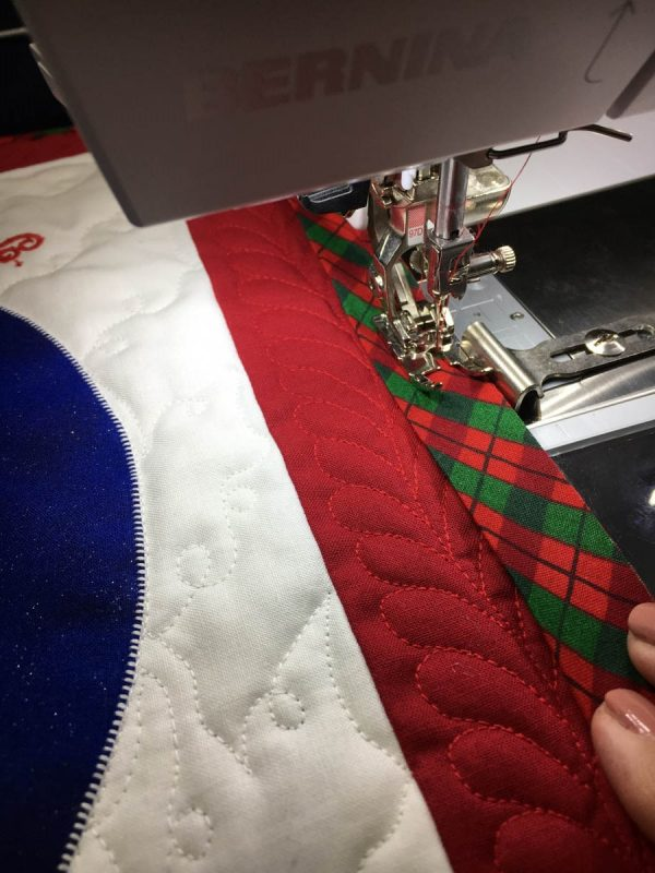 'T Is The Night Before Christmas Quilt Tutorial-adding the binding