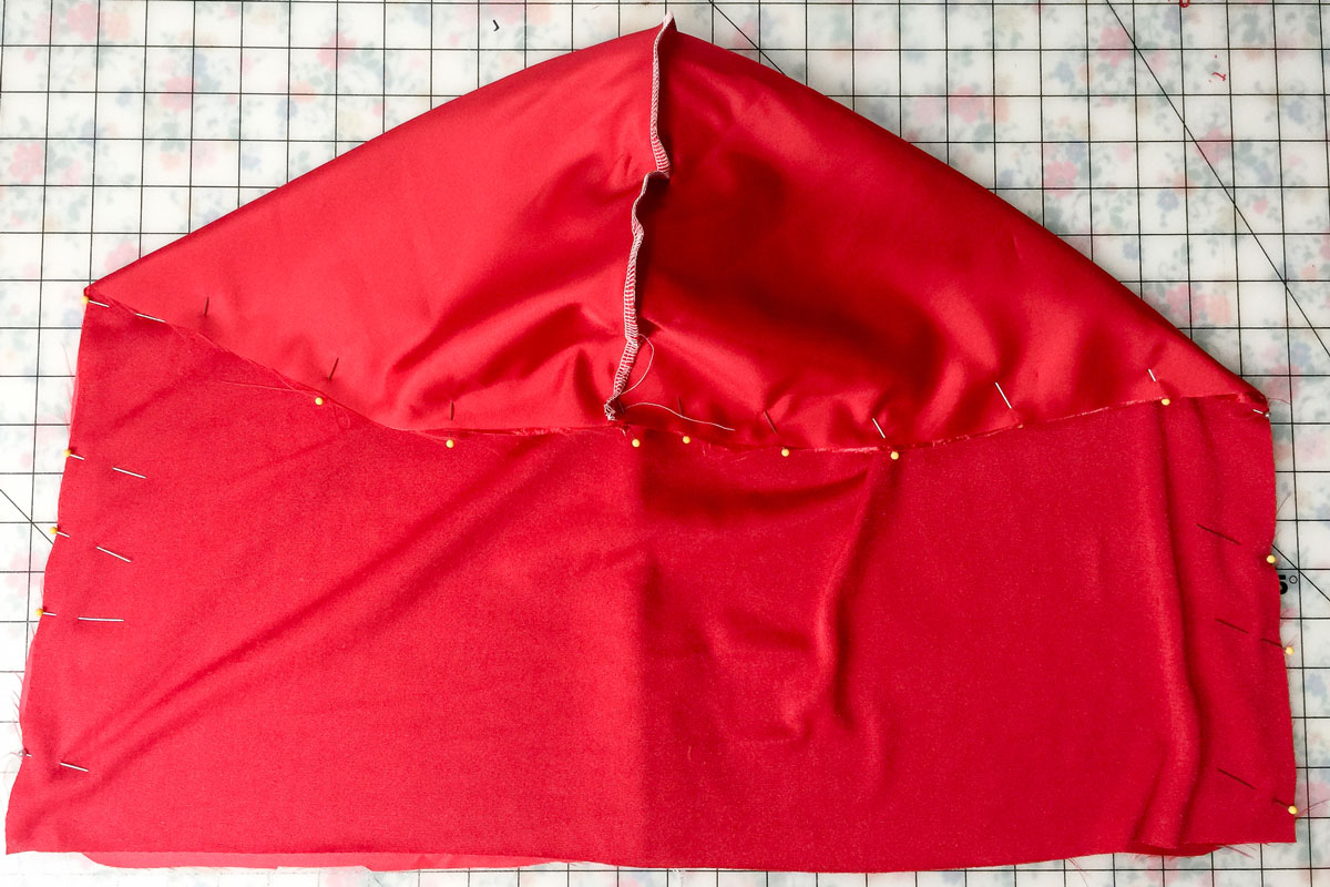 How to make a hooded cape for halloween weallsew how to make a hooded cape perfect for a halloween costume jeuxipadfo Image collections