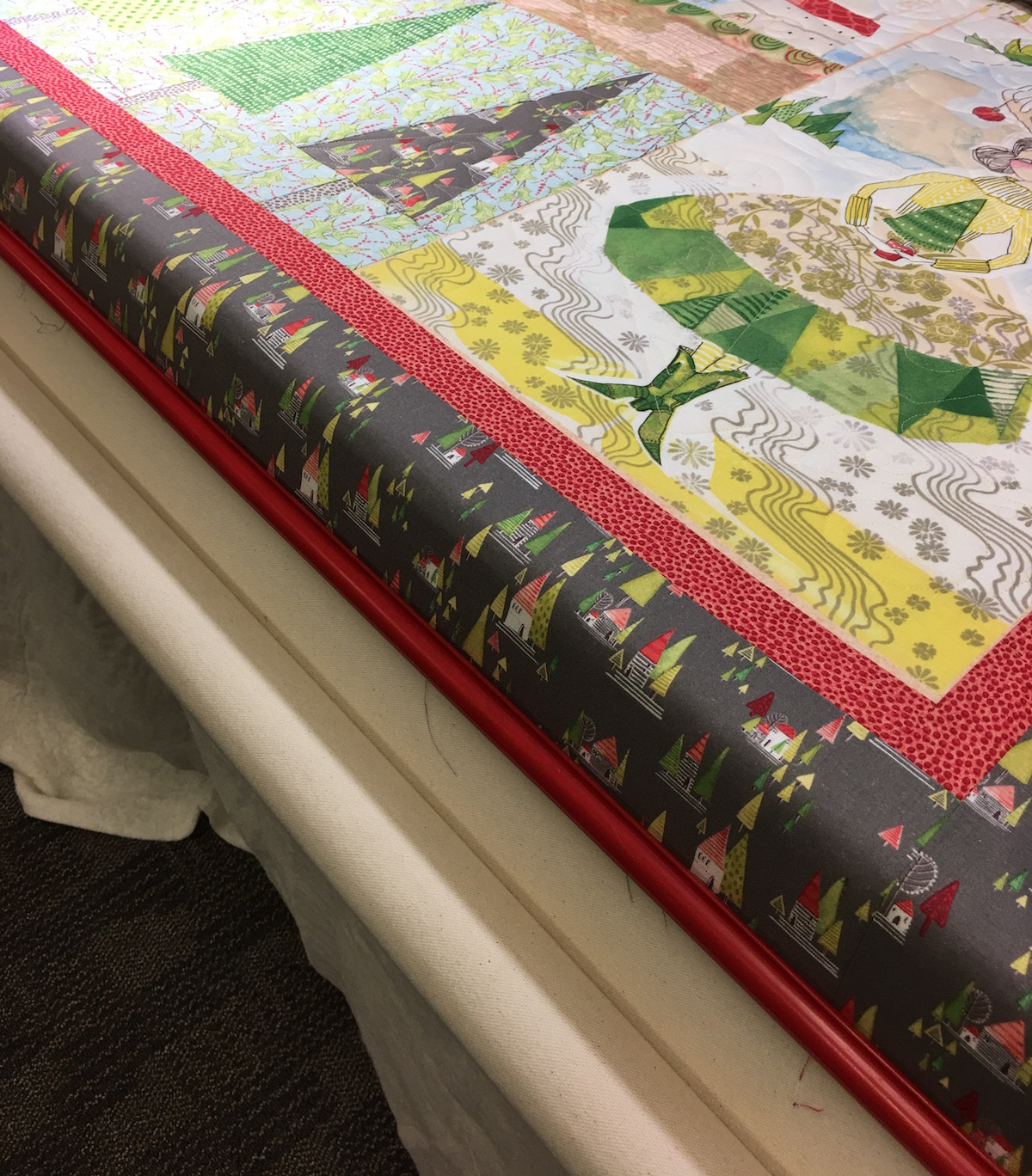 Longarmer Quilt Tip: How to Load the Frame | WeAllSew : red snapper quilt clamps - Adamdwight.com