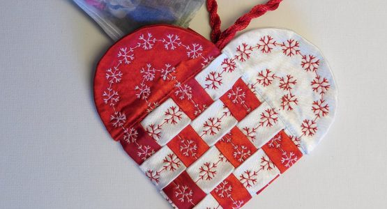 http://weallsew.com/wp-content/uploads/sites/4/2016/12/Fabric-Swedish-Heart-Tutorial-1200-x-1600-47-555x300.jpg
