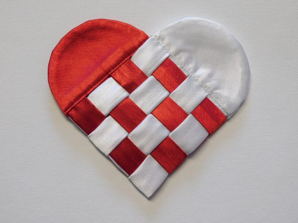 Fabric Swedish heart tutorial