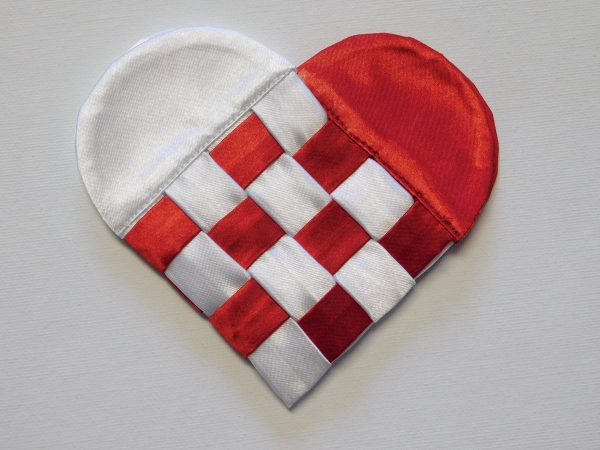 Fabric Swedish Heart Tutorial 1200 x 900 36