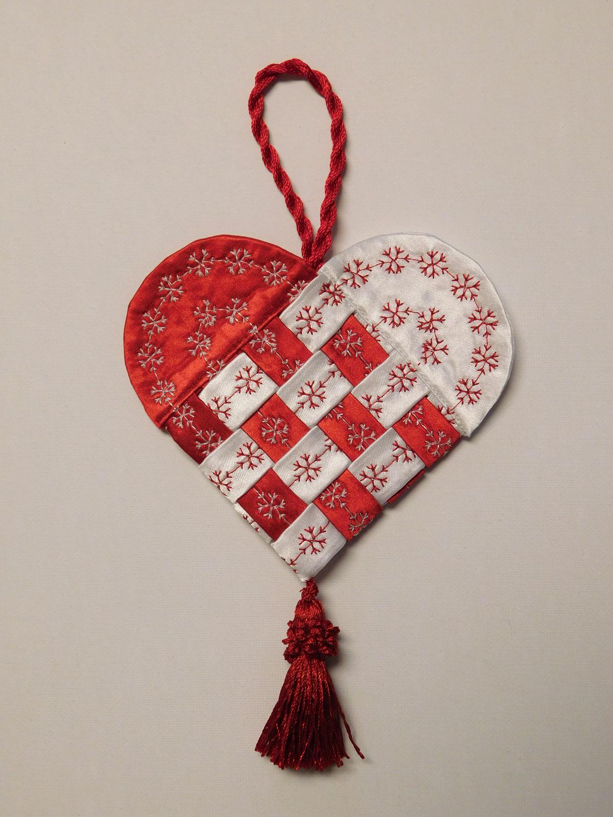 How To Make A Fabric Scandinavian Heart | WeAllSew