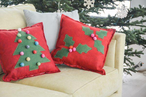 Holly Berry Felt Pillow DIY-5012