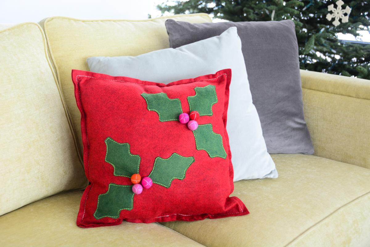 Holly Berry Pillow Tutorial Weallsew Bernina Usa S