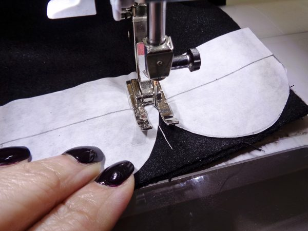 How to Add a Scalloped Edge Tutorial - Stitching the scallops