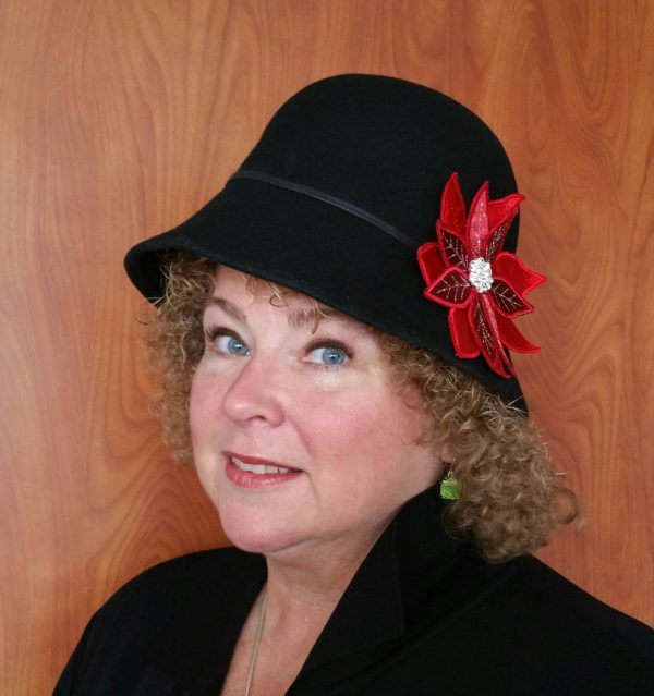Poinsettia Pin-BERNINA Ambassador Heidi Lund