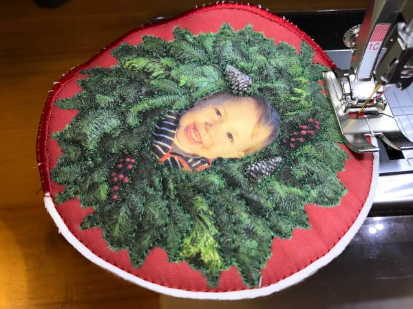 Stitched Photo Ornament-the Zig zag stitch