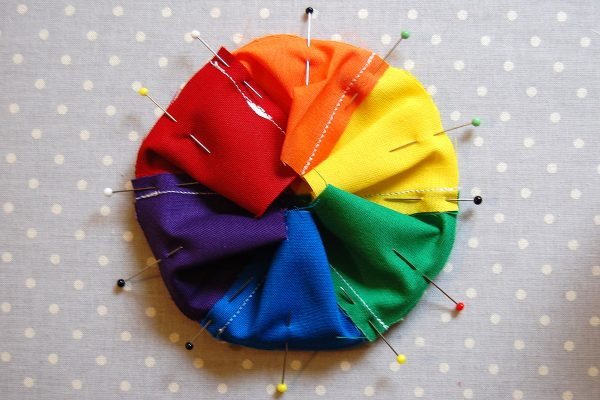 Color wheel pincushion tutorial 1200 x 800 50