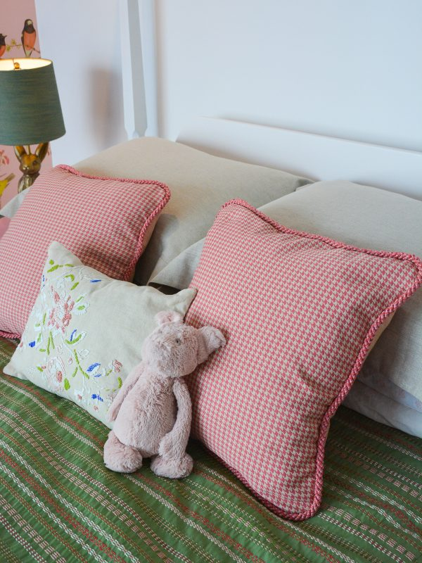 Corded Pillow Cover DIY-360