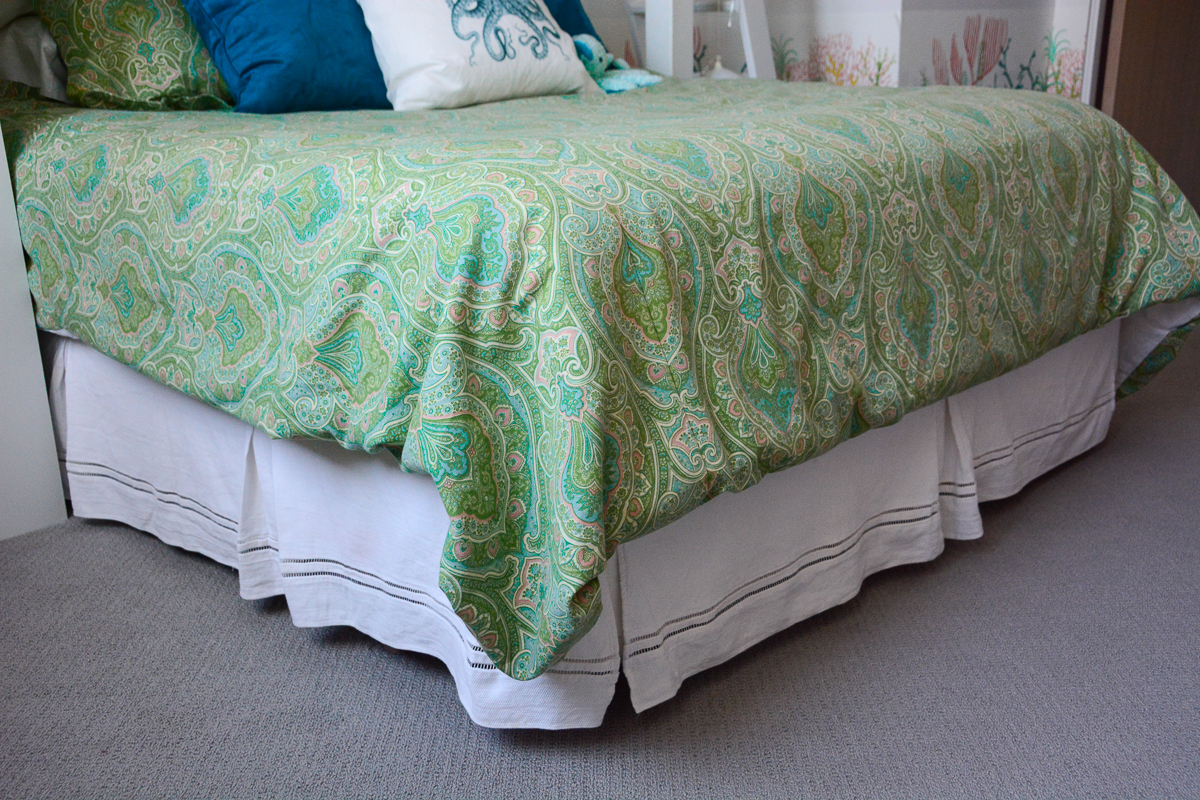 How to Sew a Simple Duvet Cover | WeAllSew