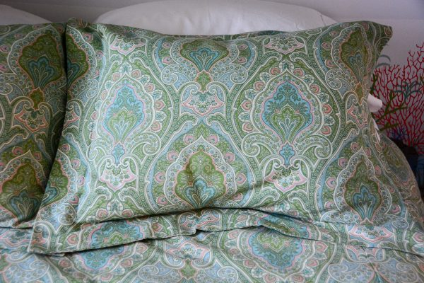 How to Sew a Flanged Pillow Sham WeAllSew BERNINA USA s blog, WeAllSew, offers fun project ...