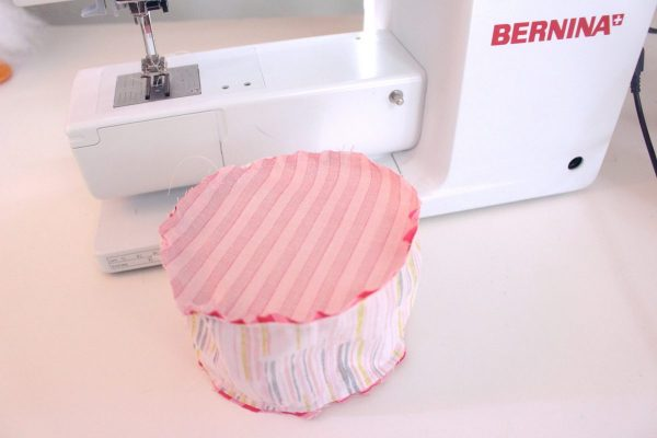 15-minute easy-sew pin cushion Step five: sew the bottom on