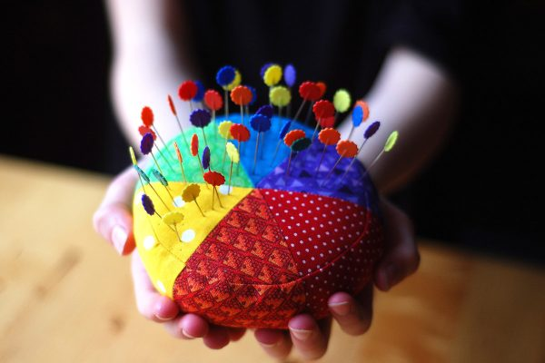 Color wheel pincushion tutorial
