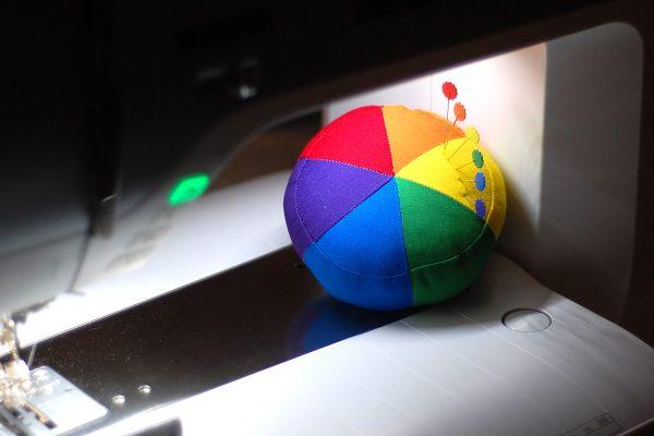 Color wheel pincushion tutorial