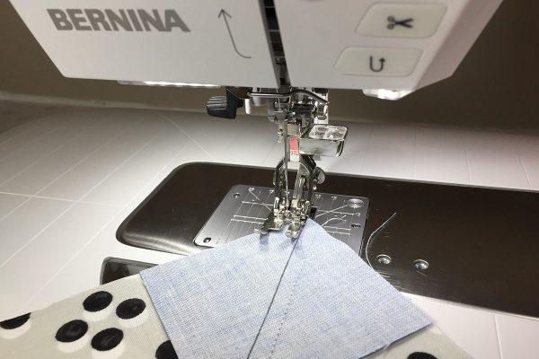 Flying Geese Tutorial Step 4B Flip Stitch