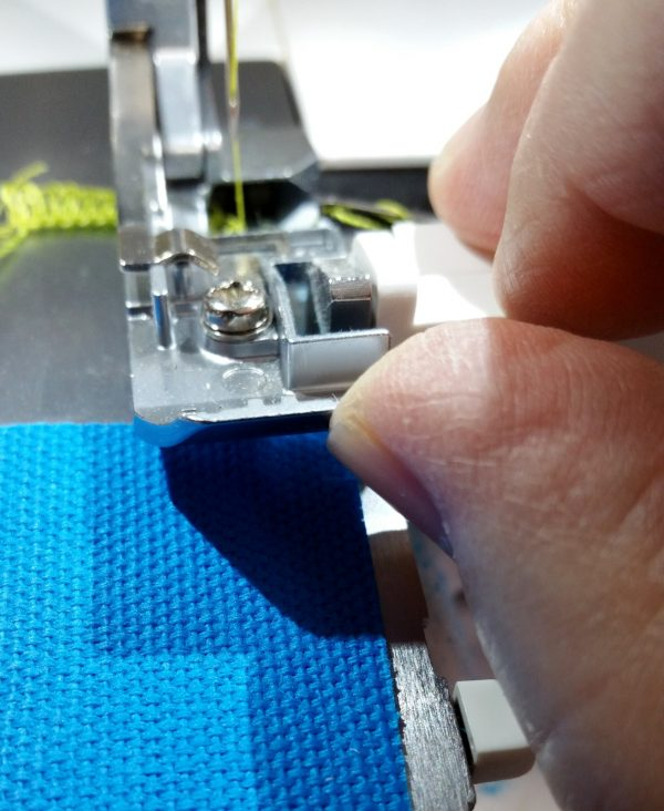 Flange Pillow Tutorial-lift the toe of the presser foot to make fabric positioning easier