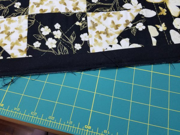 Shoofly Block Placemats-Binding stitched