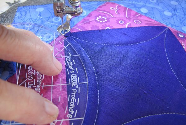 Stitching curved lines