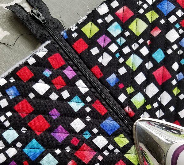 Square in a Square Zipper Bag - Press zipper