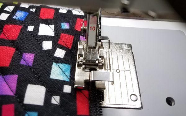Square in a Square Zipper Bag - Edgestitch Zipper