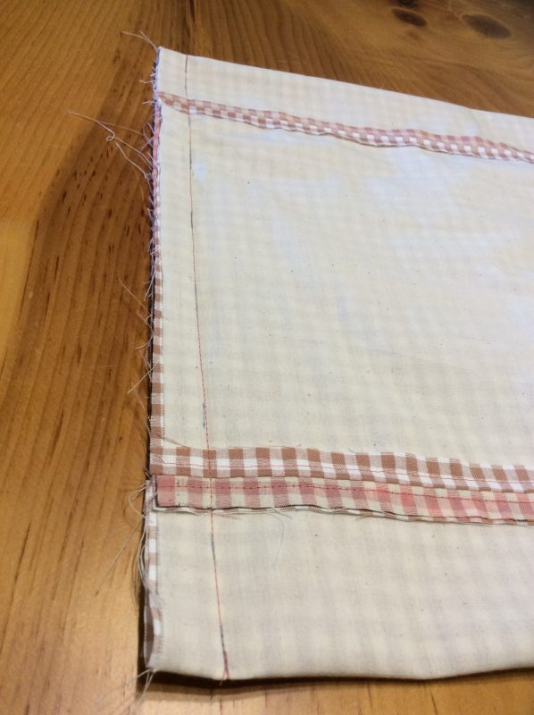 Sew the bottom of the lining and the exterior