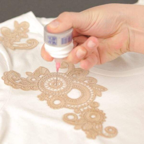 Lace Applique Tutorial-glue lace designs in place