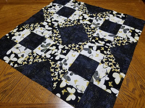 Grecian Square Wall Hanging tutorial - Pieced top