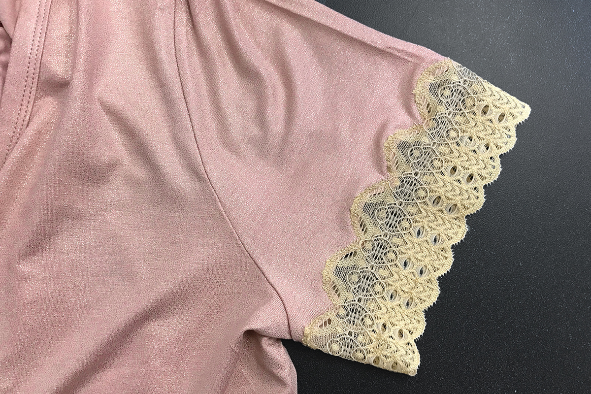 Adding lace to a t shirt weallsew