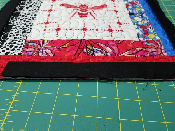 Quilted Tray - stitching the binding