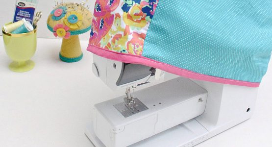 https://weallsew.com/wp-content/uploads/sites/4/2018/03/DIY-reversible-sewing-machine-cover-555x300.jpg