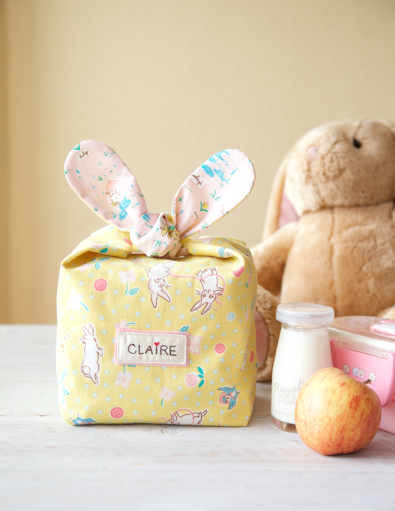 Easter sewing projects from weallsew weallsew easter treat tags create perfect little gifts on their own or add these sweets to any easter basket get the free template and tutorial to make easter negle Gallery