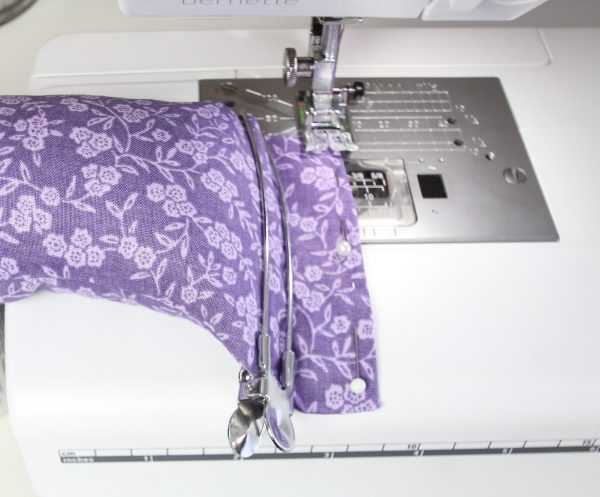 aromatherapy-eye-pillow-use a clip to keep rice out of the way