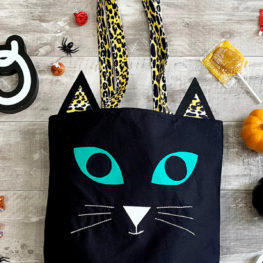 Black cat trick-or-treat tote at WeAllSew