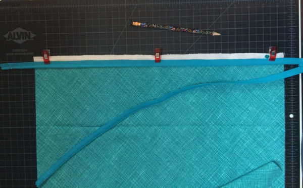 BERNINA_L_460_Multi-purpose_Foot_zipper_install_1