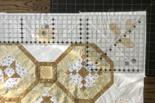 BERNINA_125th_Anniversary_Quilt-along_Month_5_ruler_placement