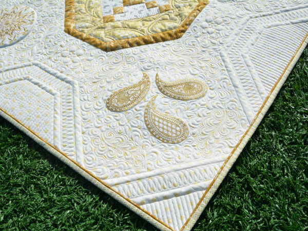 BERNINA 125 Anniversary Quilt - Corner Stones