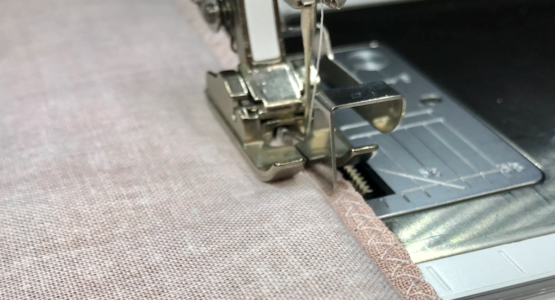 https://weallsew.com/wp-content/uploads/sites/4/2019/02/Foot-5-vs-Foot-10-blind-hemming-WeAllSew-1200x800-555x300.png