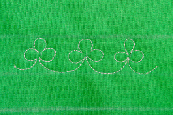 complete the simple Clover border