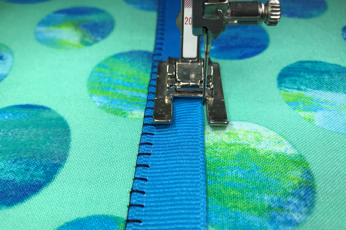 Blanket Stitch Applique With Bernina Open Embroidery Foot 20 20c 20d Weallsew