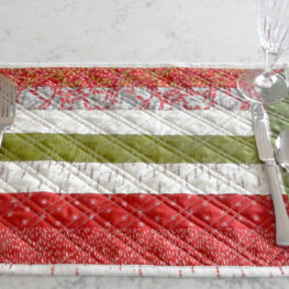Easy holiday placemats tutorial at WeAllSew
