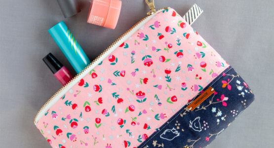 https://weallsew.com/wp-content/uploads/sites/4/2019/06/DIY-Cosmetic-Zipper-Pouch-tutorial-at-WeAllSew-1100-x-600-555x300.jpg