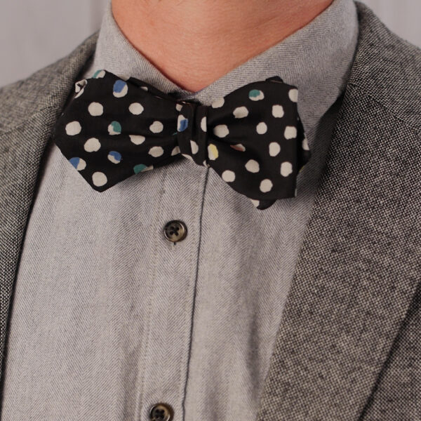 How to Sea a Bow Tie