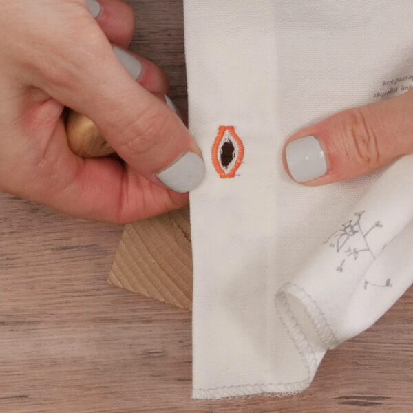 Buttonholes_buttonhole_cut_open