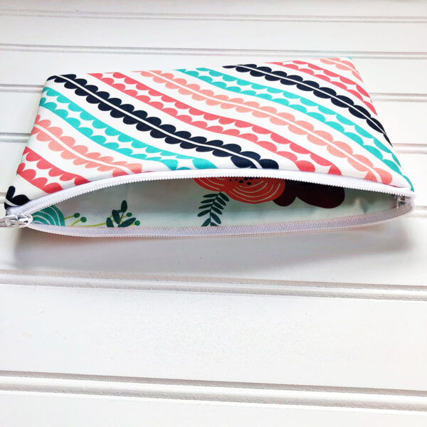 Library Book Tote and Pencil Case: Finishing up the pencil case