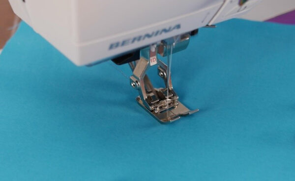 Stitching_with_a_quilting_needle