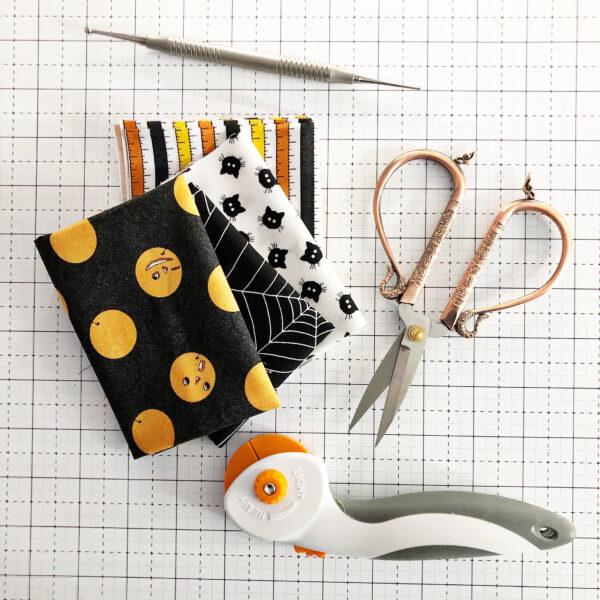 Halloween Mini Treat Bag: Supplies